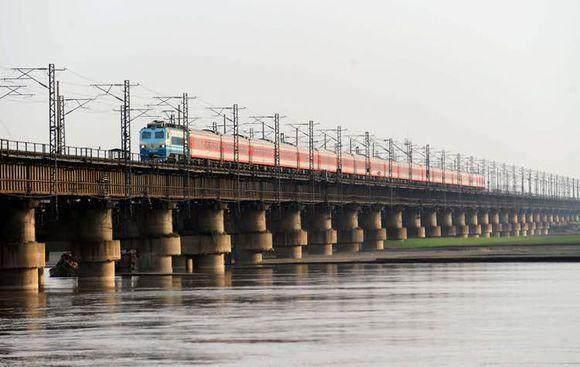 中国被称为桥梁大国?来看看这20郑州黄河铁路大桥
