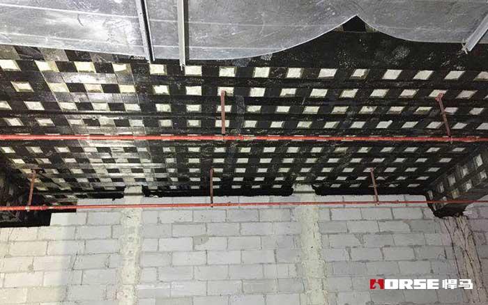 碳纤维布在钢筋混凝土结构中的技术应用